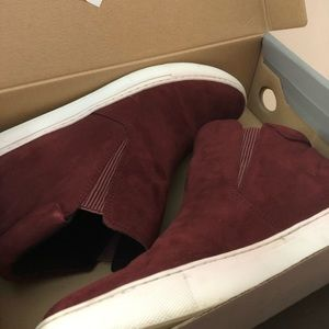 Kenneth Cole Reaction Shoes - Burgundy ankle boots